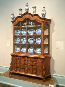 China cabinet 18th century Dutch - an incredible example of expert veneer work