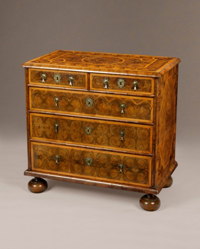 17th-century-oyster-olivewood-chest